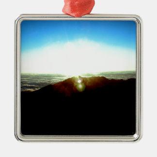Nuklearer Sonnenaufgang Quadratisches Silberfarbenes Ornament