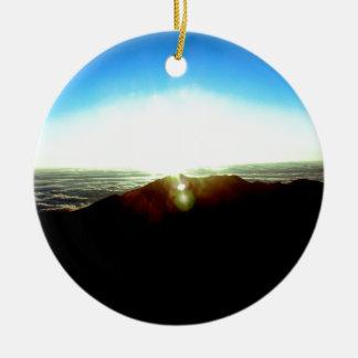 Nuklearer Sonnenaufgang Rundes Keramik Ornament