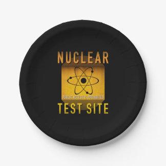 Nuklearer Test-Standort-Retro AtomalterGrunge: Pappteller