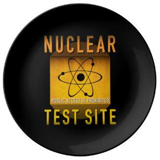 Nuklearer Test-Standort-Retro AtomalterGrunge: Teller