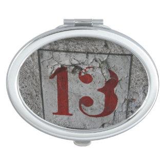 Number 13 schminkspiegel