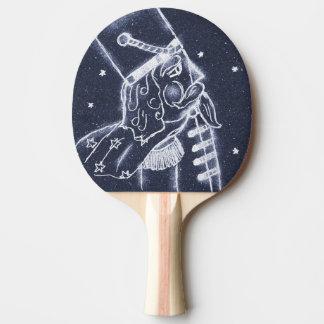 Nussknacker-Spielzeug-Soldat im mittleren Blau Tischtennis Schläger