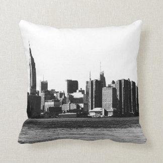 NYC Skyline ESB, East River Ansicht 001 Kissen