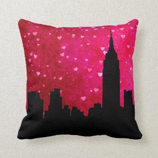 NYC Skyline-Silhouette, rosarotes Herz ESB #1 Kissen
