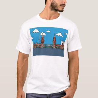 Oberbaum Brücke in Berlin T-Shirt