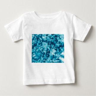 Oberfläche des blauen Steins Baby T-shirt