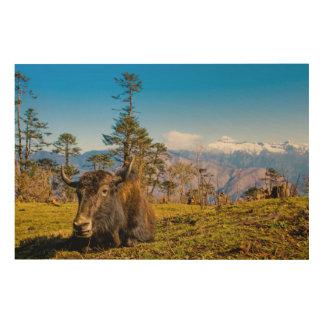 Ochse in der Gebirgslandschaft Holzdruck