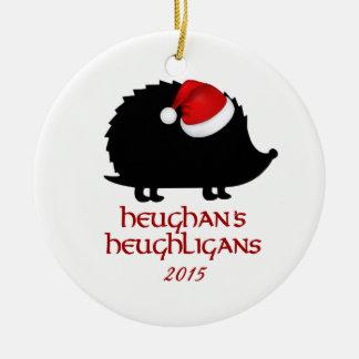 OFFIZIELLE Heughligans Wohltätigkeit-Verzierung Rundes Keramik Ornament