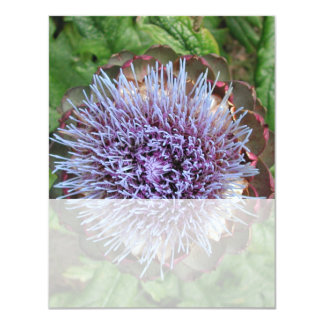 Öffnen Sie Artischocken-Blume. Purpurrot Personalisierte Einladungskarten