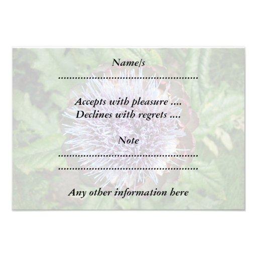 Öffnen Sie Artischocken-Blume. Purpurrot Individuelle Einladung