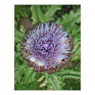 Öffnen Sie Artischocken-Blume. Purpurrot Personalisierte Ankündigungskarte