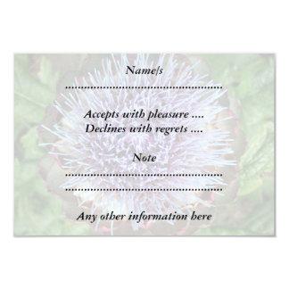 Öffnen Sie Artischocken-Blume. Purpurrot Individuelle Ankündigungskarte