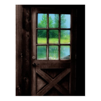 Öffnen Sie die Tür zur Außenseite Postkarte