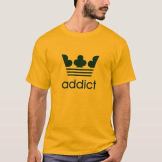 OG saab Süchtig-Parodie in dunkelblauem T-Shirt