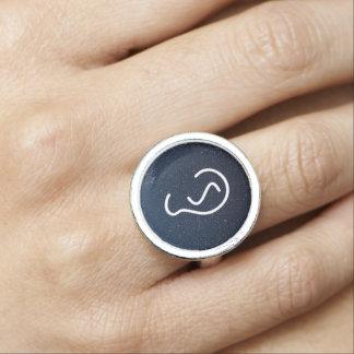 Ohr-Symbol-Symbol Ring