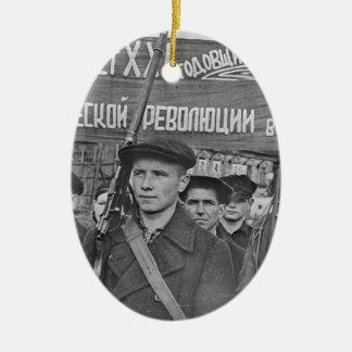 Oktober-Revolution Ovales Keramik Ornament