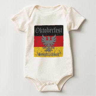 Oktoberfest beunruhigte Flagge Baby Strampler