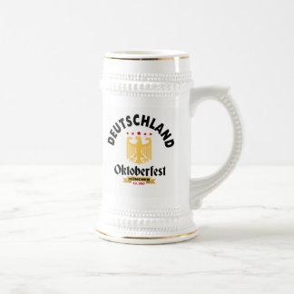 Oktoberfest Deutschland Bier-Festival-trinkende Bierglas
