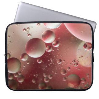 Öl auf Wasser Laptop Sleeve