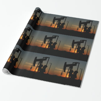 Öl-Pumpen-Jack an der Geschenkpapier