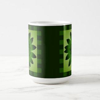 Olivgrünes Grün-Gänseblümchen-Blume, Kaffeetasse