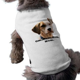 OM, nom, nom, nom, Ärmelfreies Hunde-Shirt