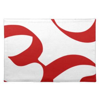 OM- oder Om-Symbol im roten, lichtdurchlässigen Tischset