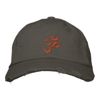 OM-Symbol Bestickte Mütze