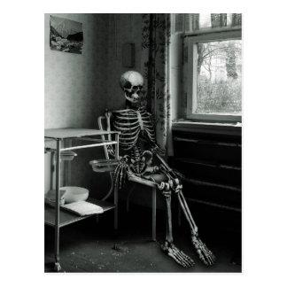 Oma wartet immer noch auf-Höhle Arzt Postkarte