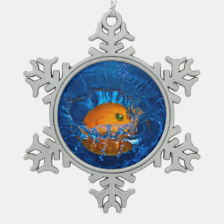 Orange durchnäßt in Wasserschneeflocke Verzierung Schneeflocken Zinn-Ornament