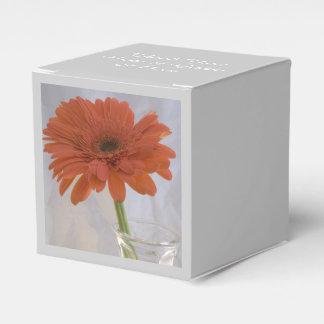 Orange Gerber Gänseblümchen in der Vasen-Hochzeit Geschenkschachtel