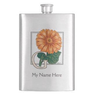 Orange Gerberas-personalisiertes Blumenmonogramm Flachmann