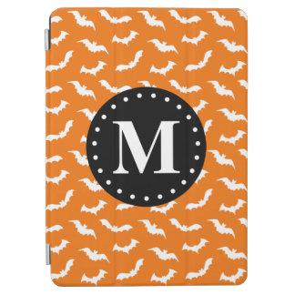 Orange Halloween-Schläger-Muster-Schwarz-Monogramm iPad Air Cover