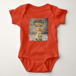 Orange ist die neue Katze für Babys Baby Strampler