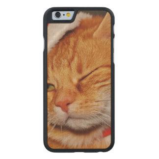 Orange Katze - Weihnachtsmann-Katze - frohe Carved® iPhone 6 Hülle Ahorn