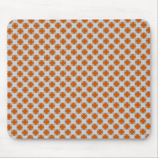 Orange Klee-Band durch Kenneth Yoncich Mousepads