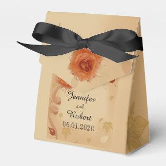Orange Rose im Hochzeit im Geschenkschachtel