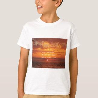 Orange Sonnenuntergang-Gütezitat Äsop T-Shirt
