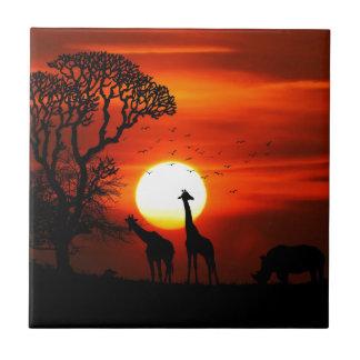 Orange Sonnenuntergang in der Giraffen-Silhouette Fliese
