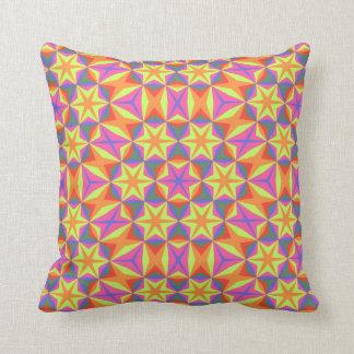 Orange stars pattern zierkissen