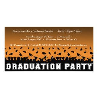 Orange Steigungs-Abschluss-Party-Silhouette laden  Personalisierte Photo Karte