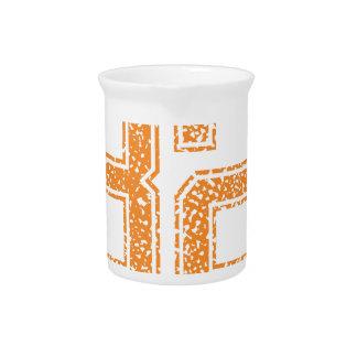 Orange trägt Jerzee Zahl 32.png zur Schau Getränke Pitcher