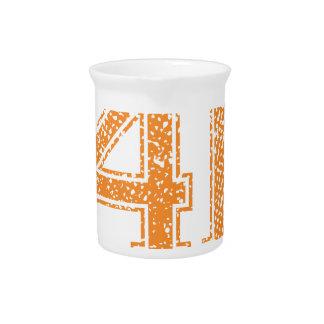 Orange trägt Jerzee Zahl 41.png zur Schau Krug