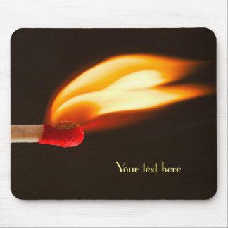 Orange und gelbe Feuer-Flamme Mousepad