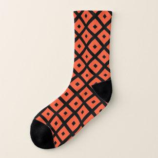 Orange und schwarzes geometrisches kariertes socken