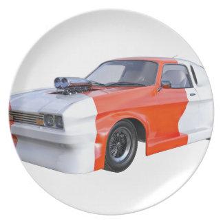 Orange und weißer Rennwagen Teller