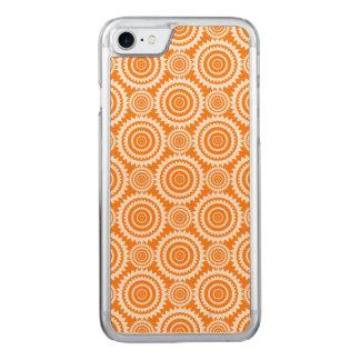 Orange und weißes geometrisches Kreis-Muster Carved iPhone 8/7 Hülle