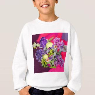 Orchideenblumenstrauß mit Tennisbällen Sweatshirt