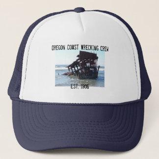 Oregon-Küste, die Crew ruiniert Truckerkappe