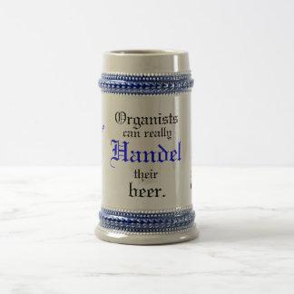 Organisten machen wirklich Handel ihr Bier ein! Bierglas